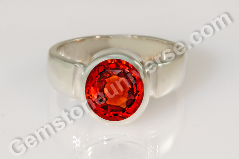 Natural Hessonite of 5.30 carats Gemstoneuniverse
