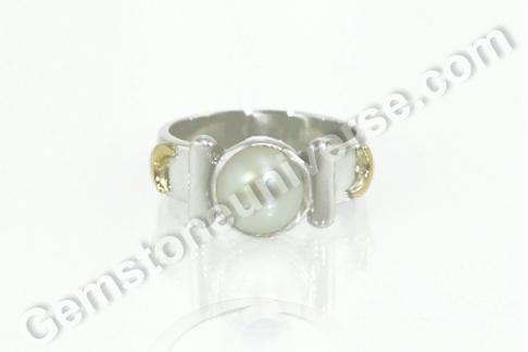 Natural Basra Pearl of 2.99 Carats Gemstoneuniverse.com